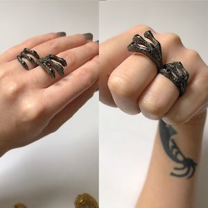 Unique Claw Ring